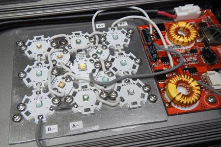 Maxspect Razor 設計用LED基板の組み込みテスト